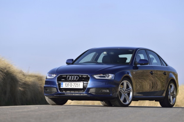 Audi A4 quattro side