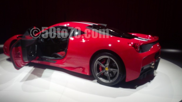 458 Speciale red