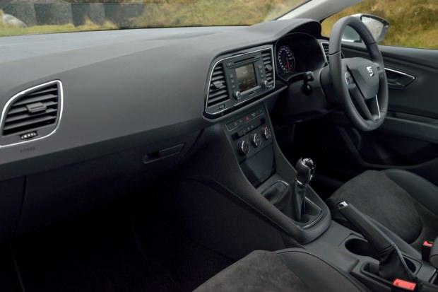 SEAT Leon ST interior pic