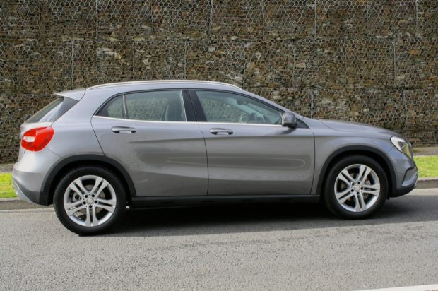 Mercedes GLA side