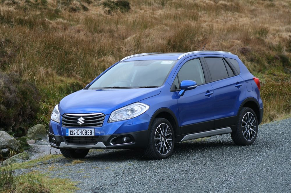 the surprisingly good suzuki sx4 s cross reviewed50 to 70. Black Bedroom Furniture Sets. Home Design Ideas