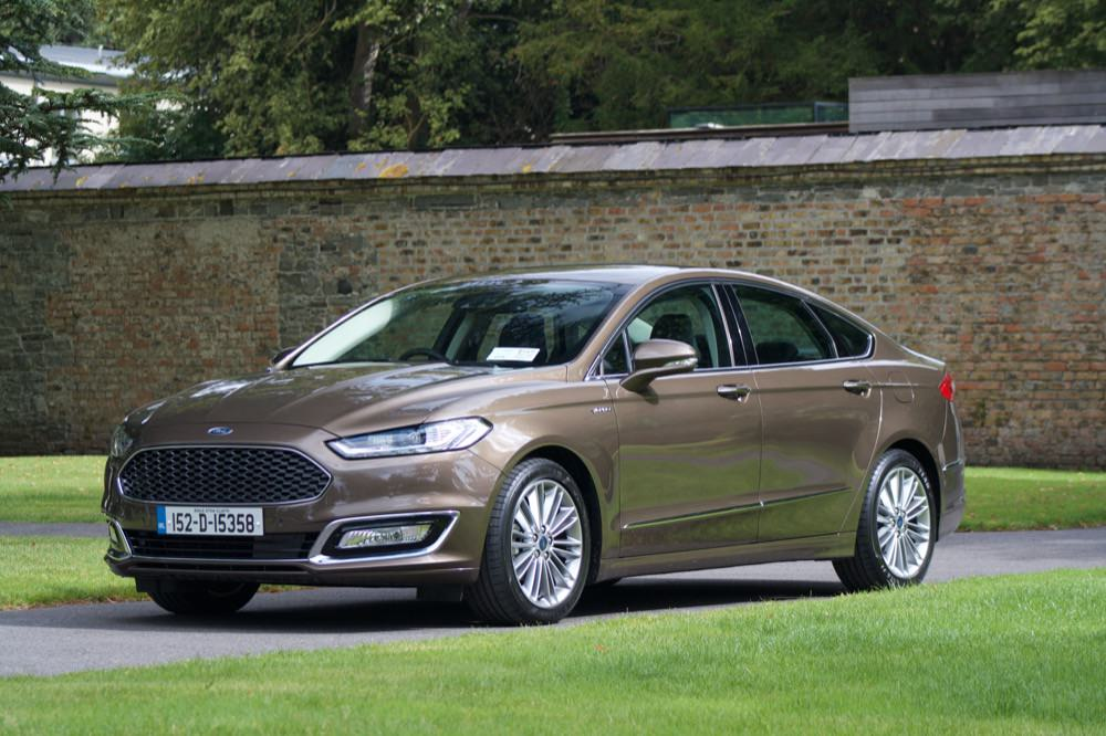 ford goes premium with vignale. Black Bedroom Furniture Sets. Home Design Ideas