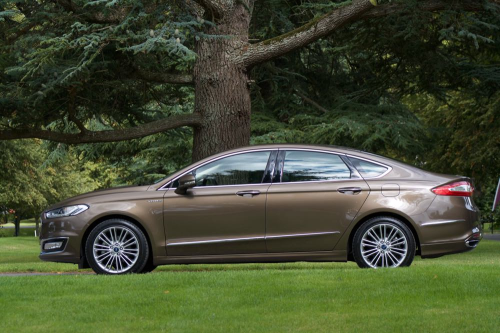 Ford Mondeo 2015 Interior >> Ford Mondeo Vignale side - 50 to 70
