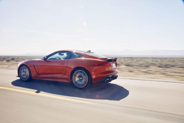 JAGUAR_F-TYPE_SVR_200MPH_HERO_0750-to-70