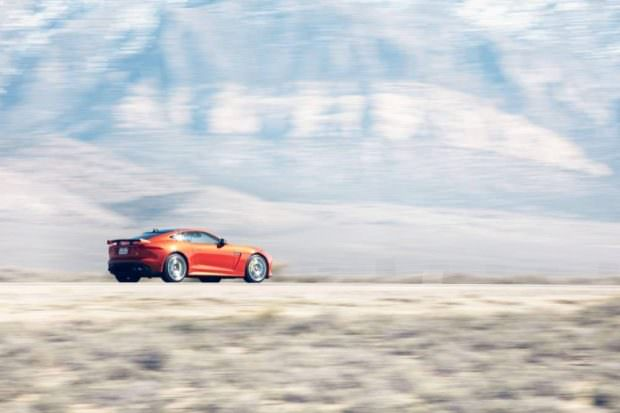 JAGUAR_F-TYPE_SVR_200MPH_HERO_1250-to-70