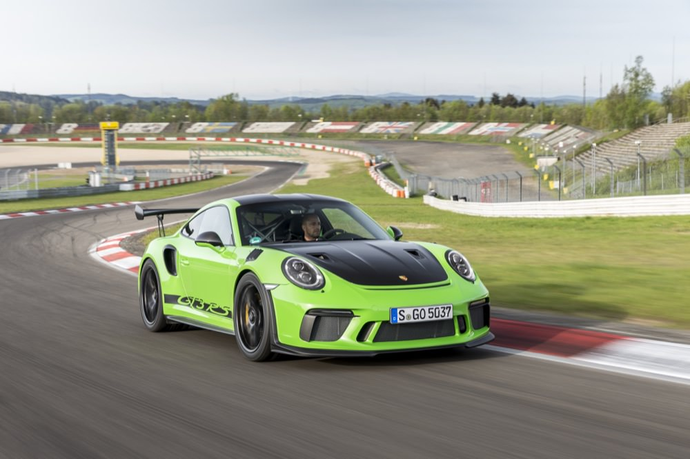 Porsche 911 GT3 RS at speed