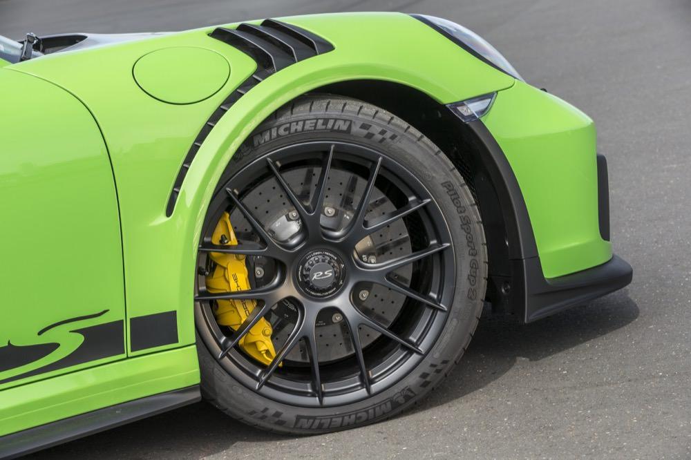 Porsche 911 GT3 RS front wheel