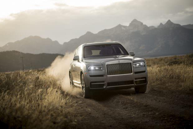 Rolls-Royce Cullinan offroading