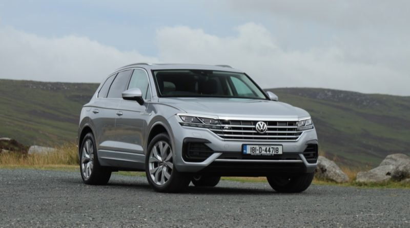 Volkswagen Touareg front quarter view